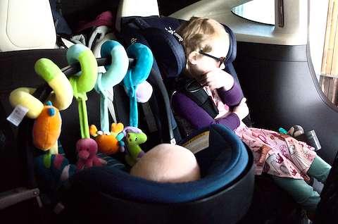 Clara and Felix in the car